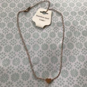 NWT Dainty Gold Heart Necklace